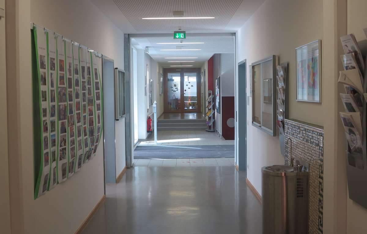 Eingang Kampenwand-Schule